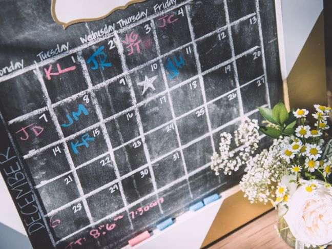 calendar-baby-shower-due-date-chalkboard-diy-pink-blue-chalk-baby-shower-activity