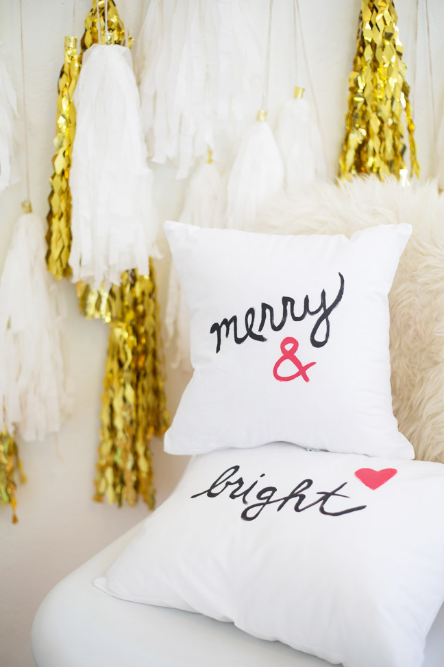 pottery-barn-inspired-painted-holiday-pillows5