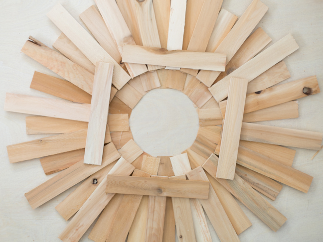 wood-shim-wreath-bracing