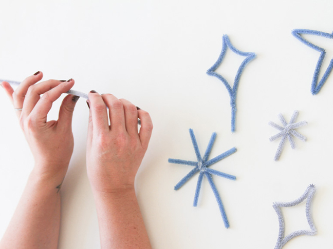 How to Make Cake Toppers with Pipe Cleaners