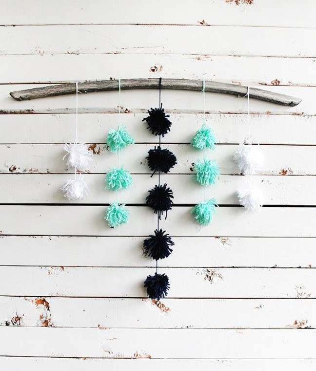 pompomwallhanging