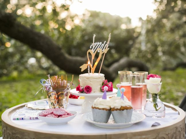 gold-heart-cupcakes-heart-birthday-party-picnic