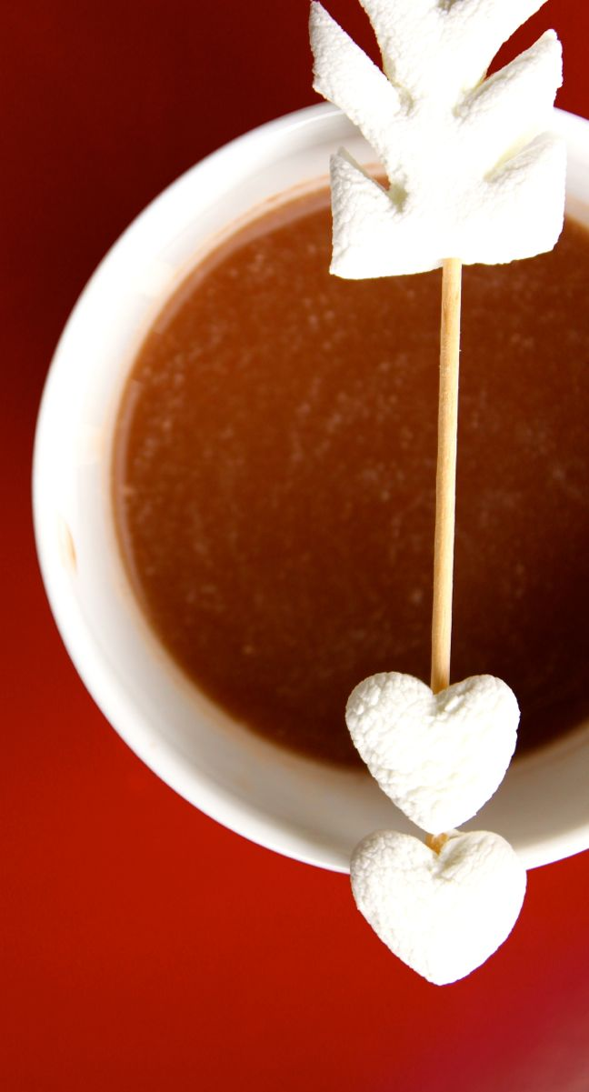 marshmallow-heart-hot-chocolate-cup-valentine-cupid-arrow