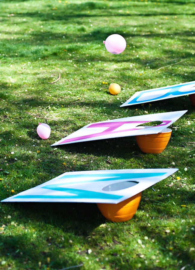 diy balloon cornhole game