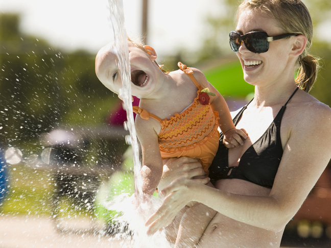 mom-baby-water-park-sunglasses