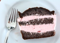 Chocolate Strawberry Ice Cream Cake Recipe