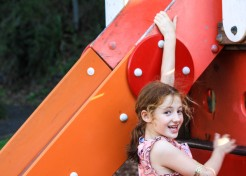 Playground Fun: The Super-Simple Colours Game