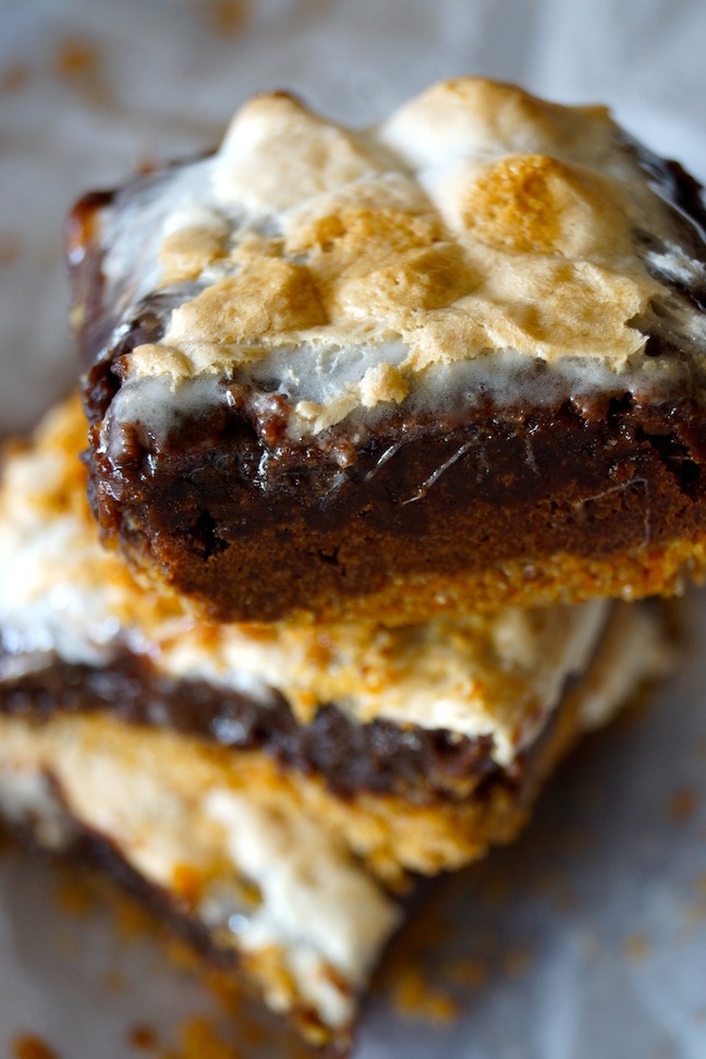 Easy S'mores Brownie Bars with Pretzels Recipe