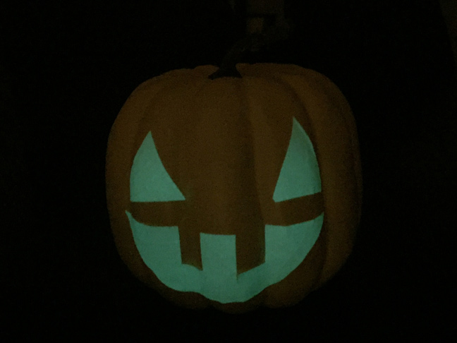 DIY_Glow_In_The_Dark_Pumpkin_4