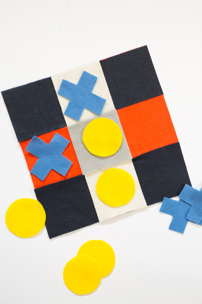 diy-felt-tic-tac-toe-game