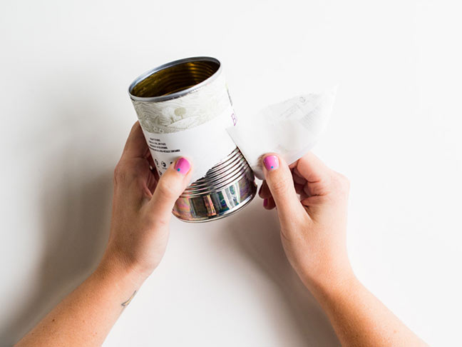 Remove labels from can