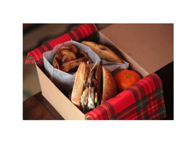 box-lunch-sandwich-plaid-napkin-picnic-lunch