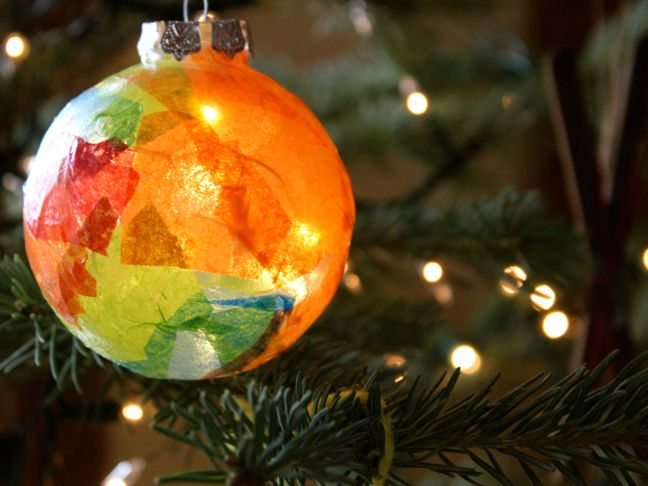 diy-stained-glass-ornament-on-a-christmas-tree
