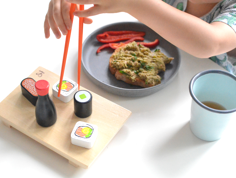 3 Dinner Games to Get Your Toddler Eating