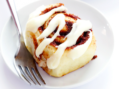 cinnamon rolls feature 648x486