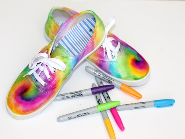 final 1 Tie Dye Sharpie Sneaker Project