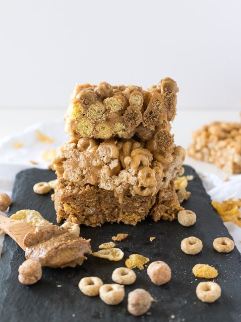 Make Breakfast Cereal Bars with No Added Sugar