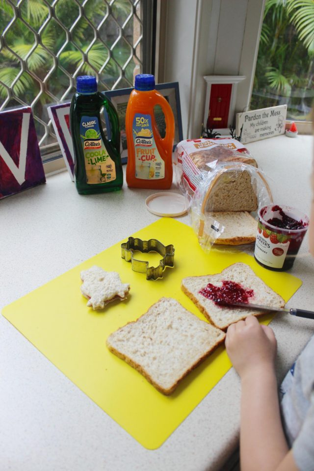 How to Throw the Ultimate Home Picnic With Kids