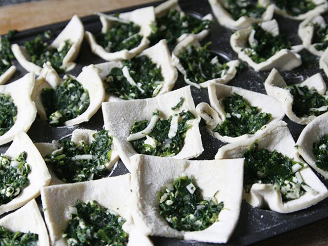 Make Ahead Spinach and Cheese Puffs