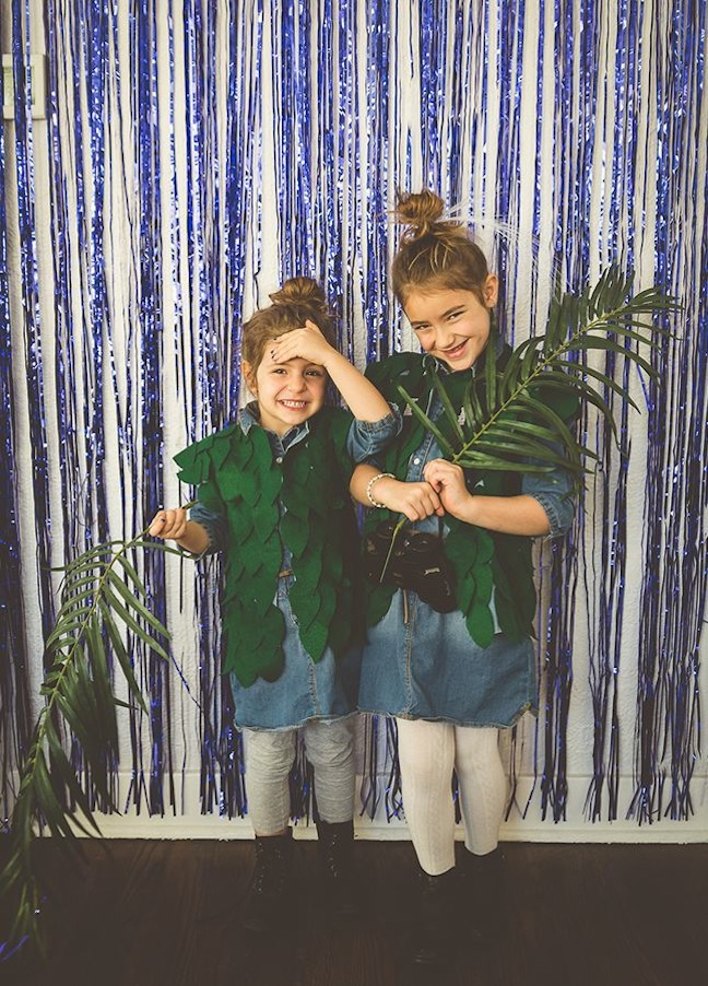 blue-foil-fringe-curtain-safari-photo-booth-girls-in-the-jungle
