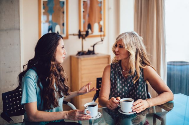 10 Easy Ways To Help A Mum Friend Who Is Struggling