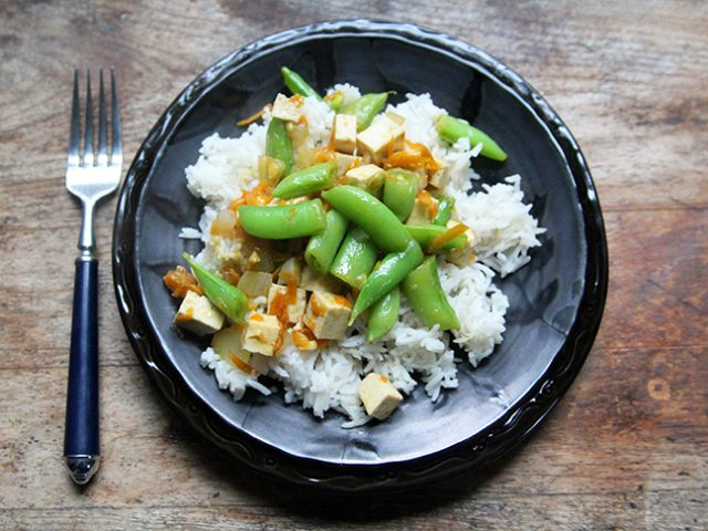 Garlic Ginger Tofu Stir-Fry