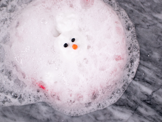 Use Household Supplies to Surprise Kids with this Melting Snowman Experiment
