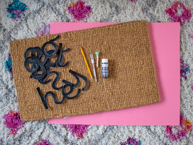 Customize your Doormat with this Easy DIY Technique