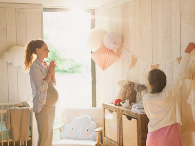 baby shower checklist - mom and daughter planning baby shower