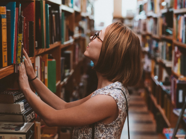 How to Use a Goodreads List to See Whether You Are About to Make a New Mom Friend by @letmestart on @itsMomtastic   Book lovers, friendship, and motherhood