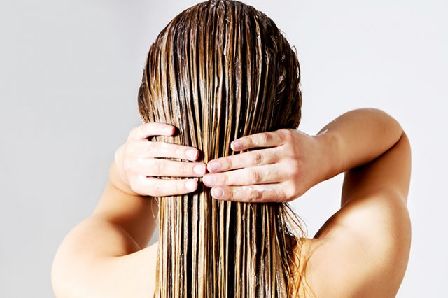 What Really Happens When You Quit Shampoo?