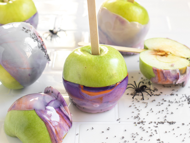 Marbled Candy Apples are Easier than You Think for Fall Treats