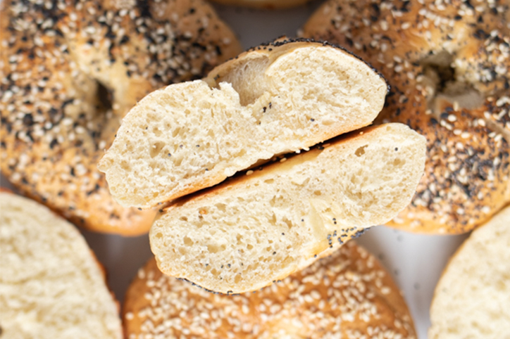How to easily cook homemade bagels using pantry staples