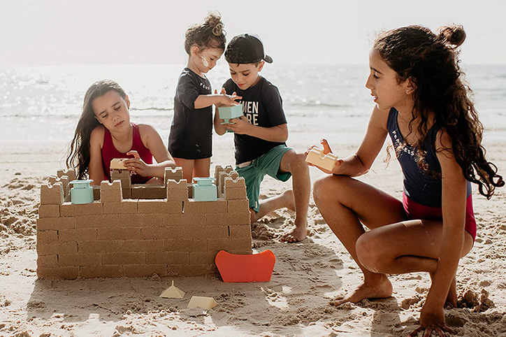 beach toys and games