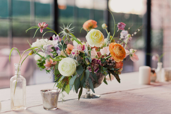 Tips: How to Put Flowers in a Vase