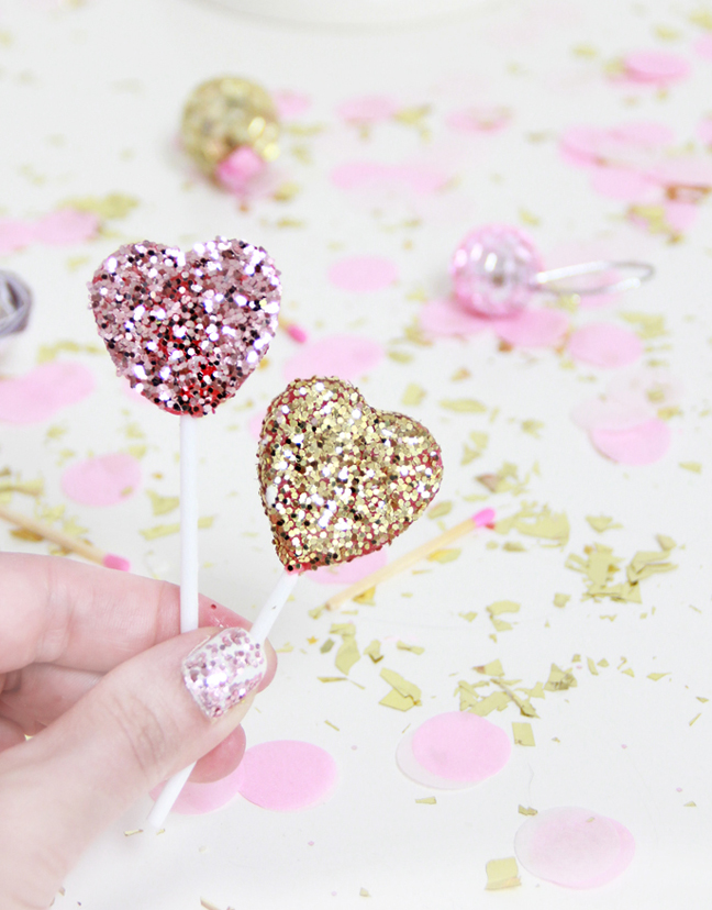 Top Cakes with Lollipops