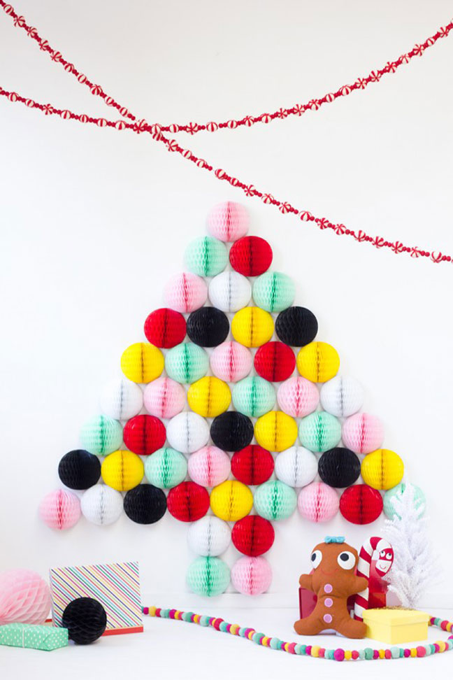 15 holiday home decorations your kids can make for Decorations you can make at home
