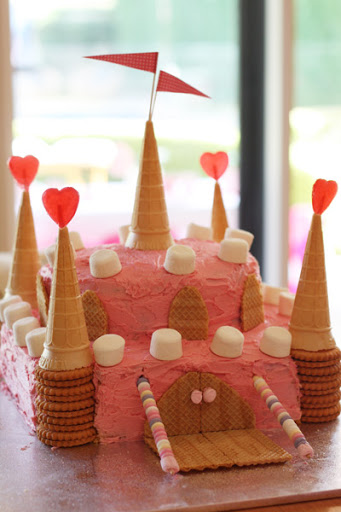 How To Decorate A Wilton Castle Cake