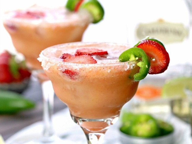Skinny Strawberry Jalapeño Margarita