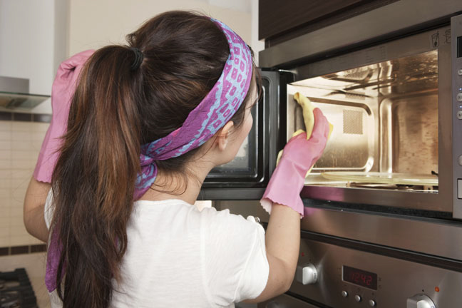 You're wasting precious elbow grease scrubbing down your dirty microwave.