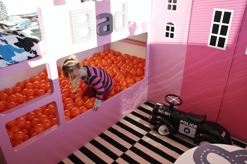 31 ikea bunk bed hacks that will make your kids want to - Bed made of balls ...