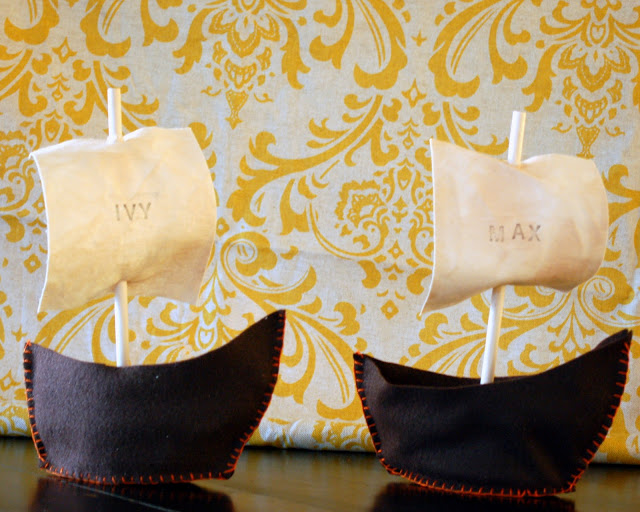 Mayflower Boat Place Cards