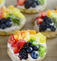Cinnamon Roll Rainbow Fruit Pizzas